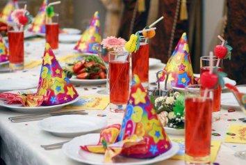 13 идей, как украсить стол на детский День Рождения