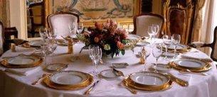 Как сервировать стол в домашних условиях на день рождения фото